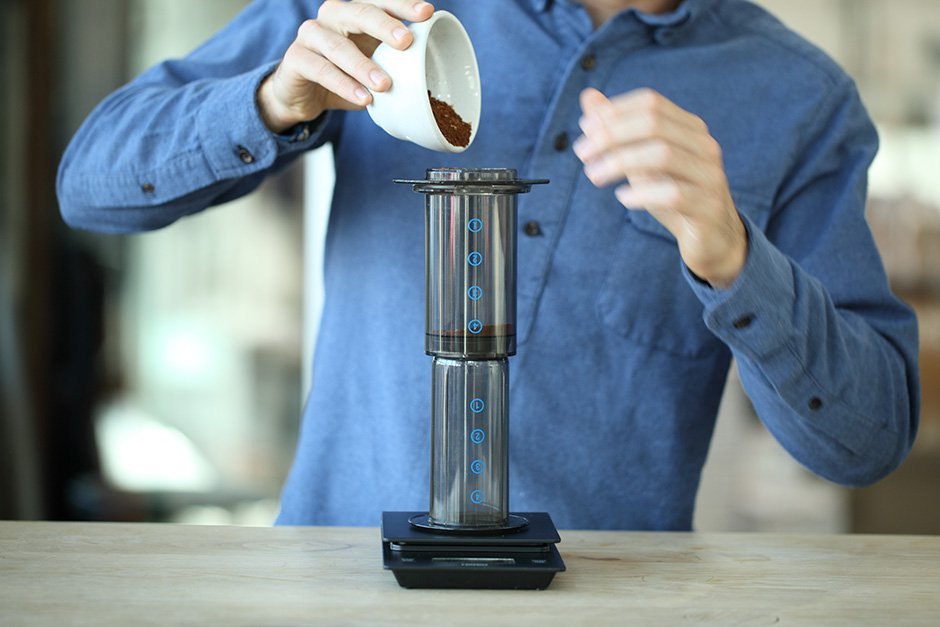 طرز تهیه قهوه دمی با ایروپرس همراه بافیلم